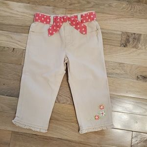 Adorable girl's pants. Size 4
